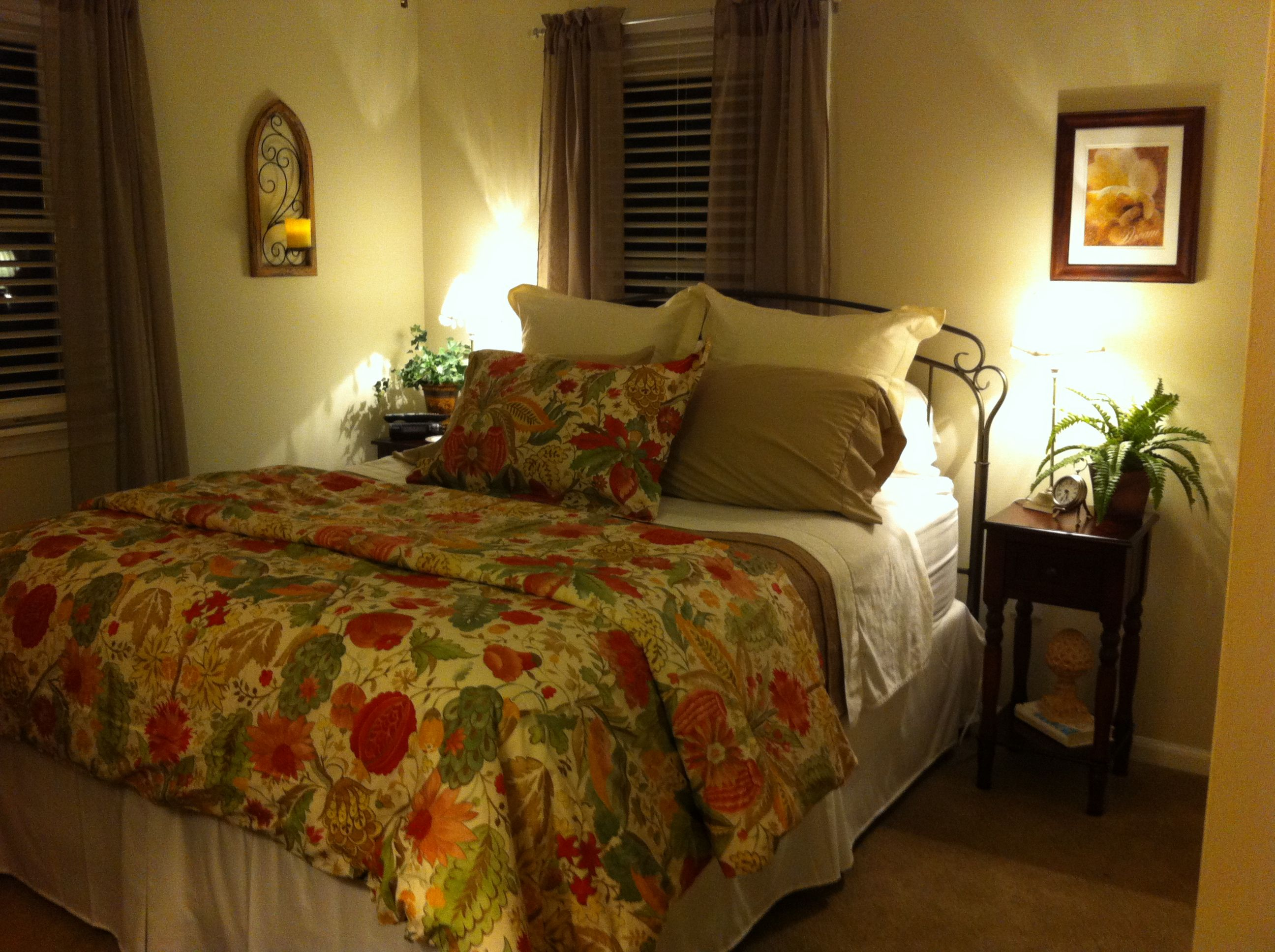 Arranging Small Bedroom Ideas Photo Gallery