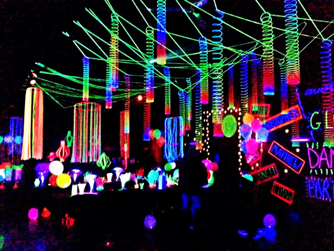 Glow party decorations party ideas pinterest