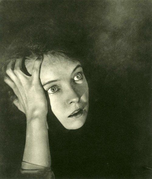 Lillian Gish, 1920s, photo by George Hoyningen-Huene