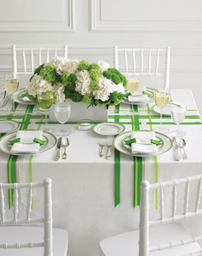 I love the green and white. And the ribbon is soo cool.