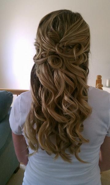 curly half up wedding hair,