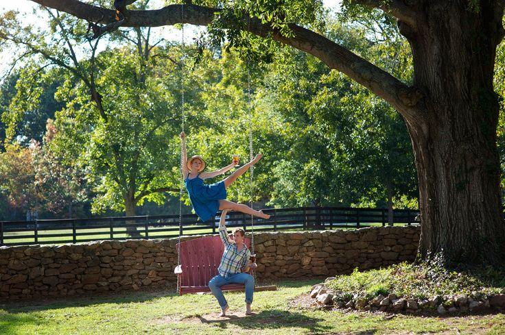 Vedere questa immagine di Madison, GA - Jacob Bush e Claire Stallman nel prossimo libro di Jordan Matter: Dancers Among Us - in libreria il prossimo autunno!