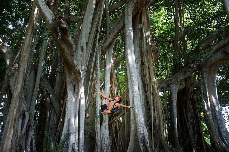 Vedere questa immagine di Sarasota, FL - Ricardo Rodi nel prossimo libro di Jordan Matter: Dancers Among Us - in libreria il prossimo autunno!