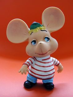 I was                                                              allowed to                                                              stay up   until                                                              the end of Ed                                                                    Sullivan to                                                            watch Topo                                                            Gigio :)                                                            vintage topo                                                              gigio vinyl                                                            toy ('60s?                                                             '70s?)