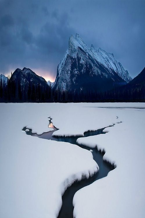 Winter Lake, Mount Rundle, Canada.
