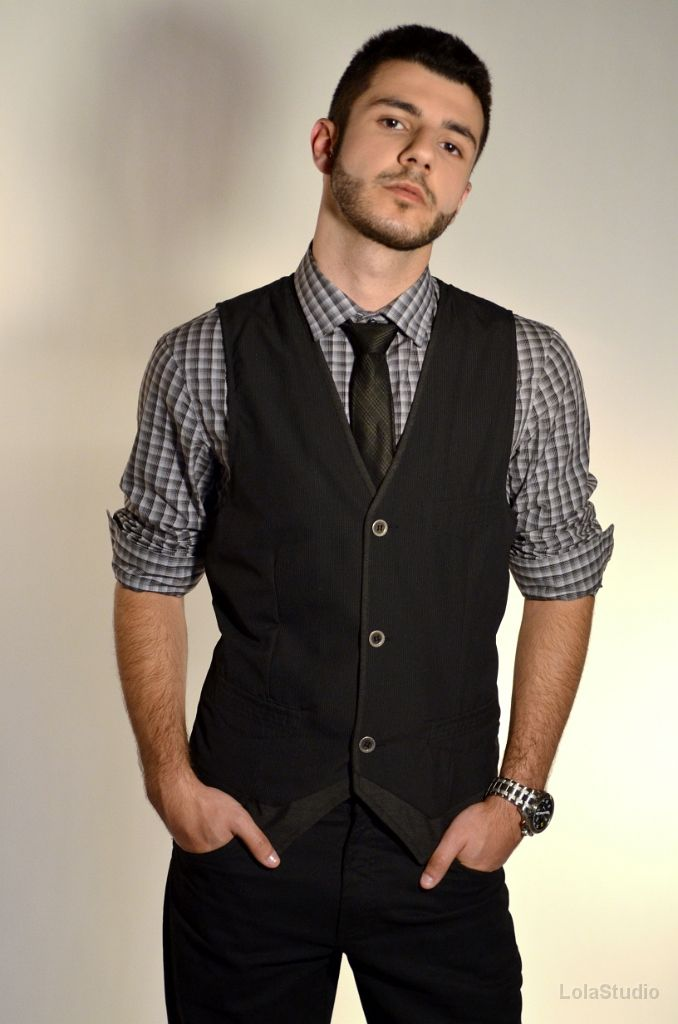 looks masculinos calça jeans e colete - Pesquisa Google