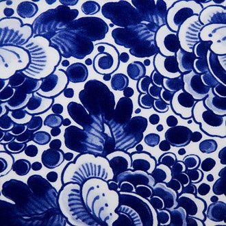 http://static1.bonluxat.com/cmsense/data/uploads/orig/marcel-wanders-delft-blue-vases_lmfb.jpg