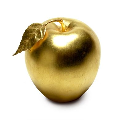 grandlifehotels: The big golden apple.  (via blue-dreams-revisited)