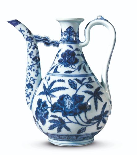 Blue and white ewer, Ming dynasty, Yongle period, private collection. Sotheby's Hong Kong, 30th October 2002, lot 271