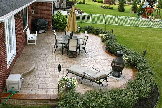 Nice shrubbery layout around the patio   Landscape Ideas ... on Garden Patio Designs And Layouts id=30443