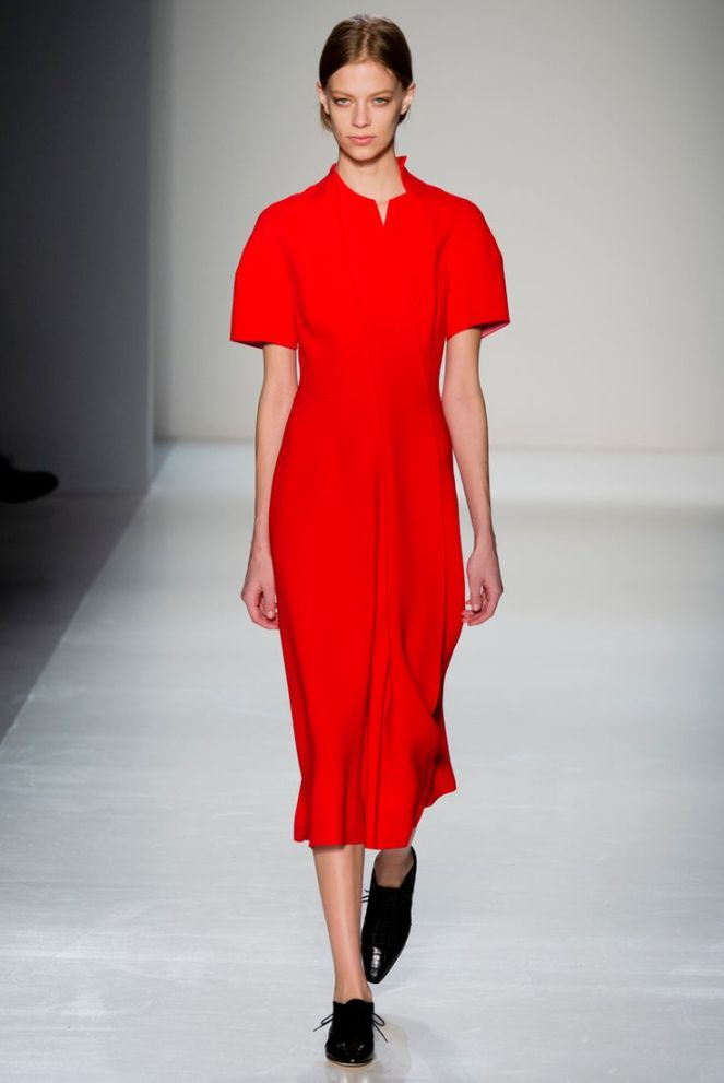 Victoria Beckham fall 2014 rtw red dress black oxfords