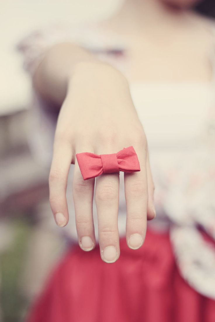 Bow Ring. Omg I love bows so much!