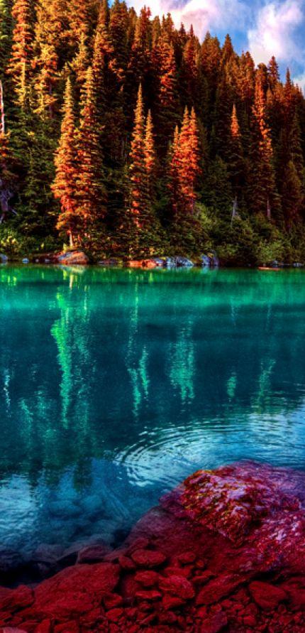 Garibaldi Lake in Garibaldi Provincial Park, British Columbia, Canada.