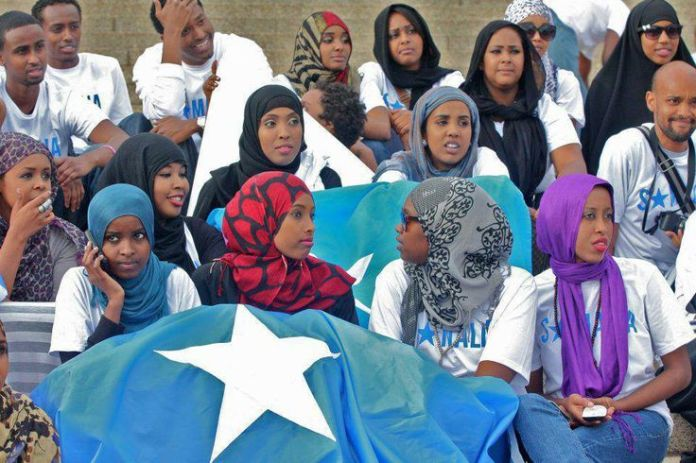 Mad Love somali support.