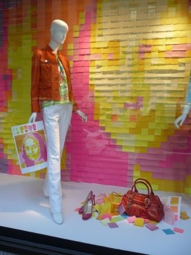 Window display with Post-it Mona Lisa