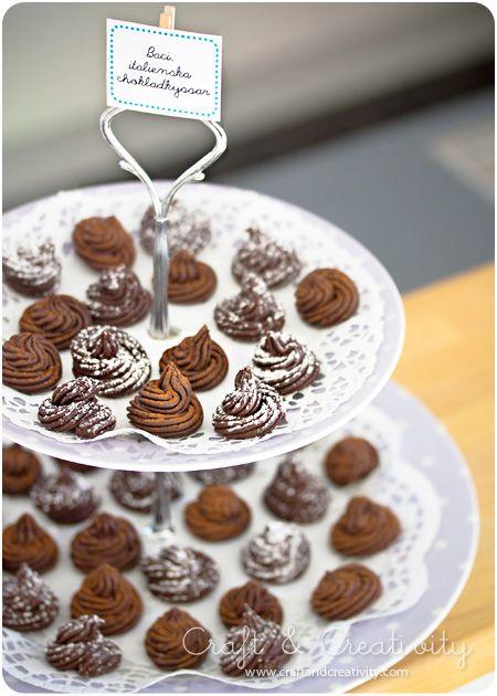 Baci, kisses in Italian, is amazing pralines with dark chocolate