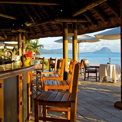 Tropical Beach Bars Car Interior Design