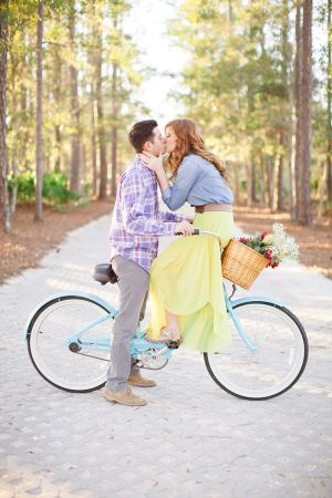 Couple Kissing on Bike | photography by http://www.jlaynephotography.com/