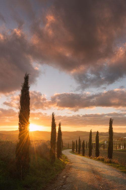Tuscany sunrise by Daniel Korzhonov