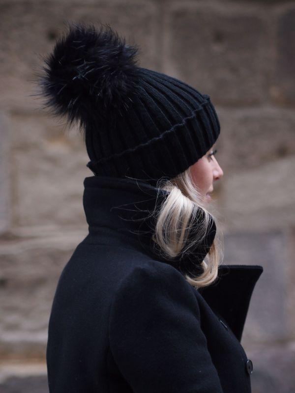 pom pom hat #winterhats #stockingstuffers http://rstyle.me/n/tp8ze4ni6