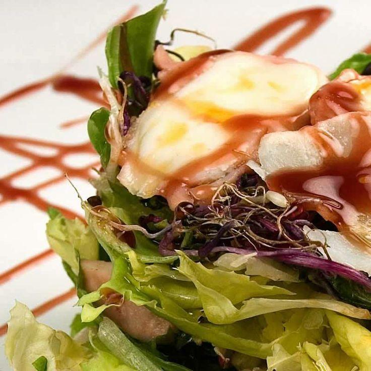 Ensalada de pulpo y algas con balsámico de cereza, una refrescante y original ensalada con una combinación de sabores que es un espectáculo en el paladar.