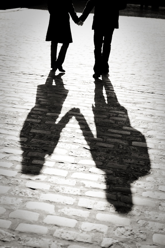 shadows holding hands 的圖片結果