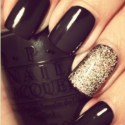 Black and glitter. I love these colors for New Year's Eve