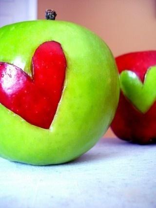 """""""Una mela al giorno toglie il medico di torno"""" ~ Proverbio"""