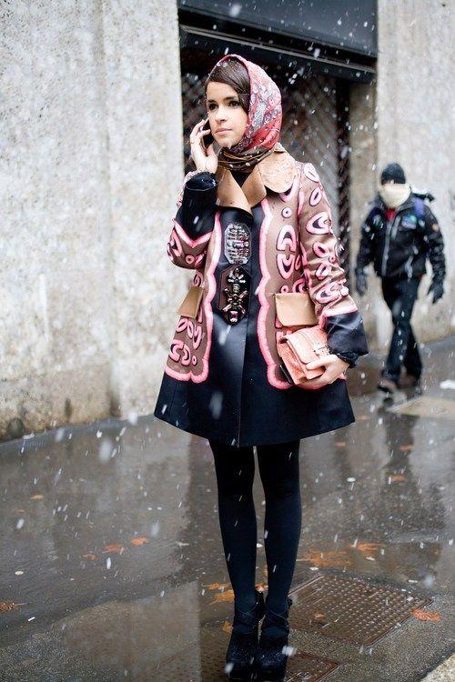 Miroslava Duma : street style : head scarf : gorgeous coat