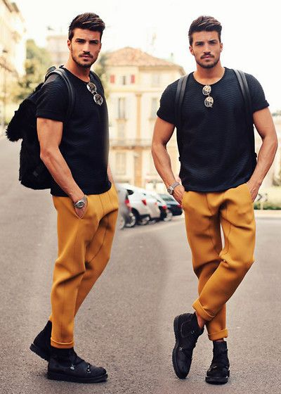 colors that go with mustard yellow