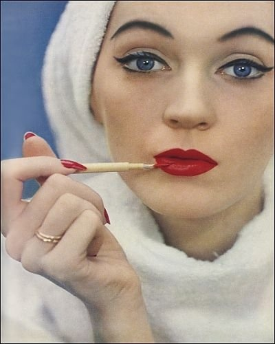 Photographic Prints of 1950s make-up from Mary Evans, browse our review to acquire the right MAX Factor Eye Makeup you wish. you can read detail information about Photographic Prints of 1950s make-up from Mary Evans.