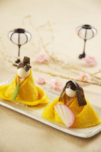 Egg Crepe Wrapped Sushi for Japanese Doll Festival (Hina-matsuri)|ひな祭りのアレンジ寿司