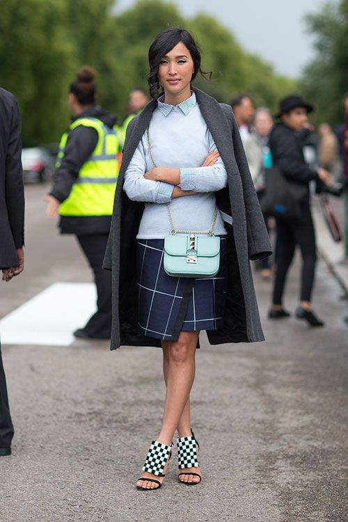 Street Style: London Fashion Week Street Spring 2014 - Nicole Warne with Valentino bag