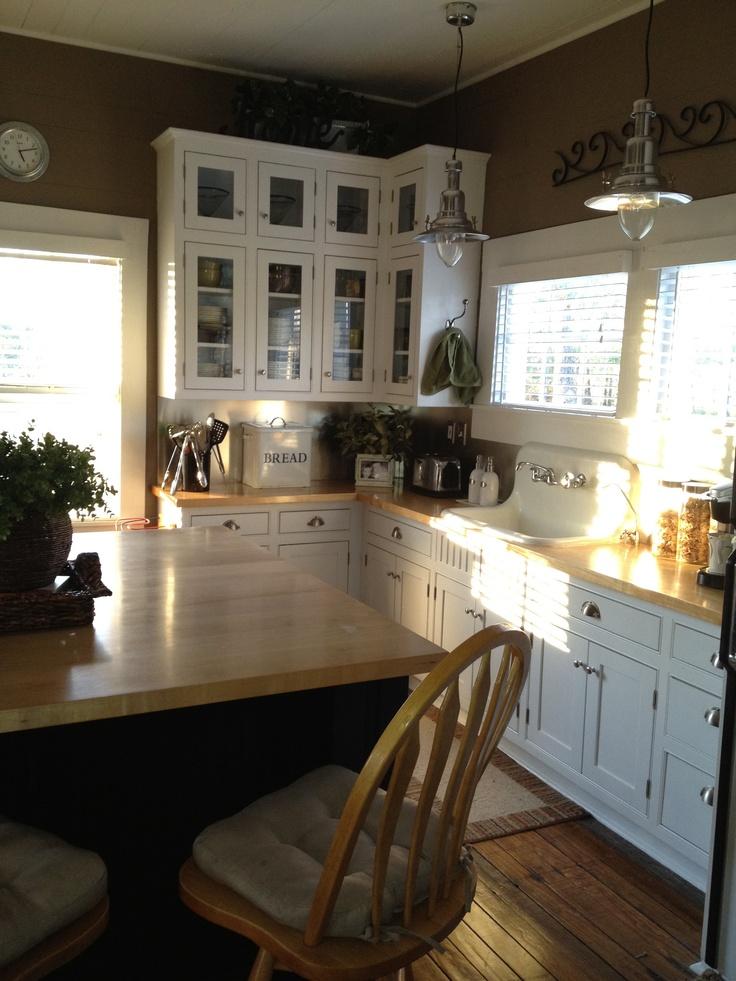 farmhouse kitchen darker colors house beautiful pinterest on farmhouse kitchen wall colors id=13293
