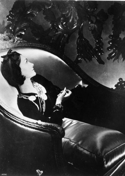 Coco Chanel, creadora del primer little black dress para 'Vogue' en 1926