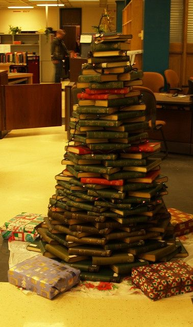 pinterest library christmas trees | ... Book Christmas Tree by UBC Library, via ... | Book Christmas T