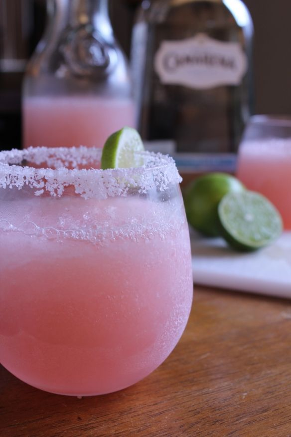 Great summer drinks that a #retromiami girl would love - Pink Lemonade Margharita!