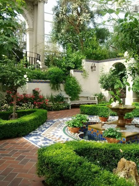 spanish style homes with garden Plants are the strangest People: Spanish style courtyard