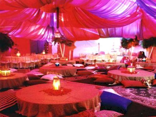Fête aux couleurs arabe. parfait pour un mariage dans ce thème ! ^^