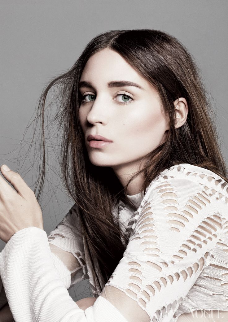 Many readers said Rooney Mara would be the perfect Maximum Ride. Do you agree?