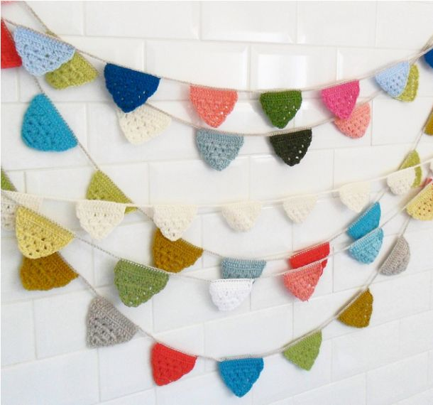 This crochet bunting is so cute!