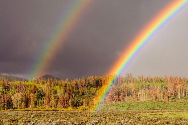 Как фотографировать радугу. Радуга касается земли