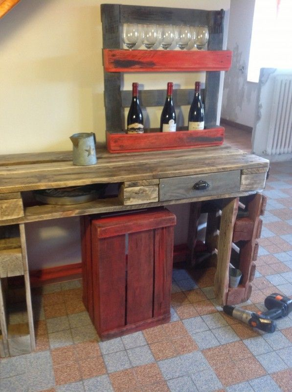 image1 e1369484400933 597x800 Table from old pallets in kitchen  with Table shelves
