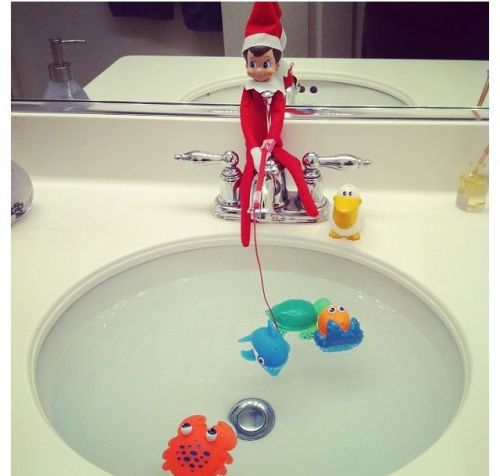 Elf on the Shelf Elf Fishing Bathroom Fishes Naughty or Nice Plastic Bath Toys