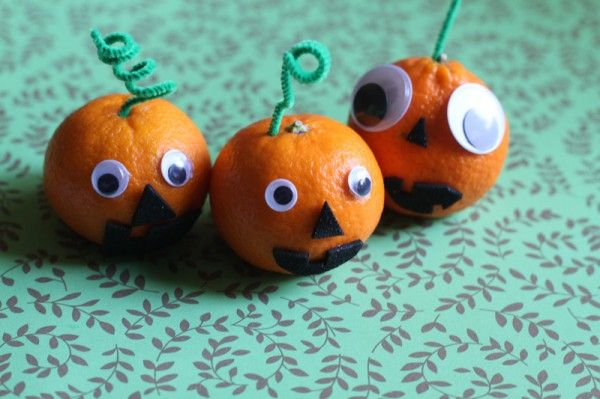 Jack-o-lantern clementines