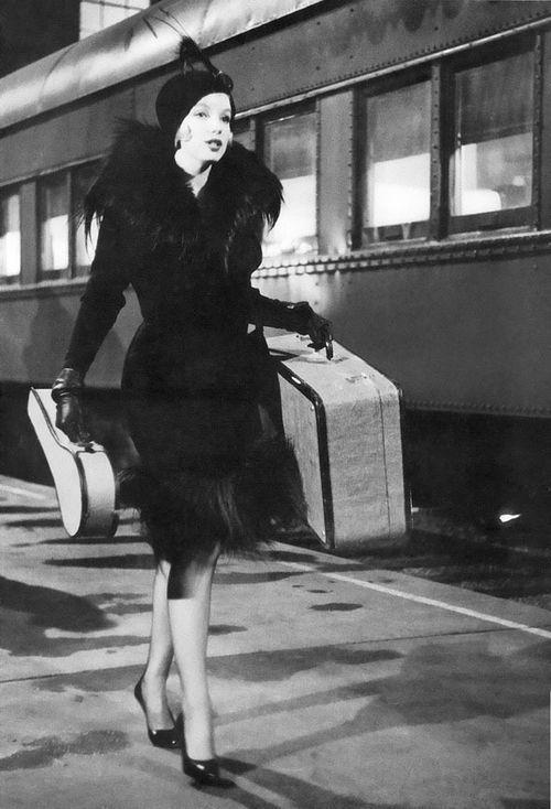 Marilyn as Sugar...love this movie. <3