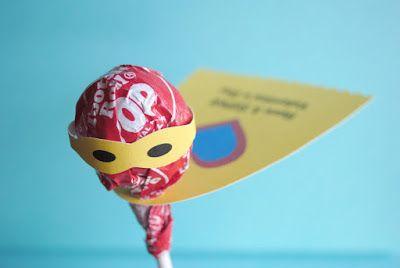Super Hero Lollipops | Zakka Life.   For 50 more FREE #Valentine Printables, click the image.