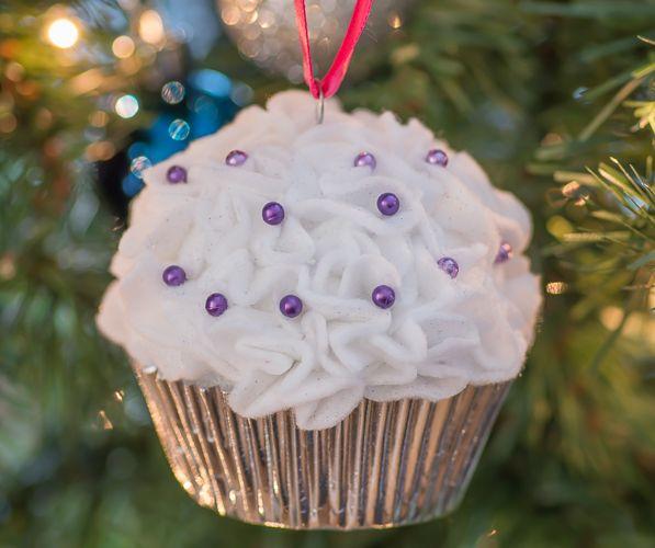 Cupcake Ornaments - Almost Supermom