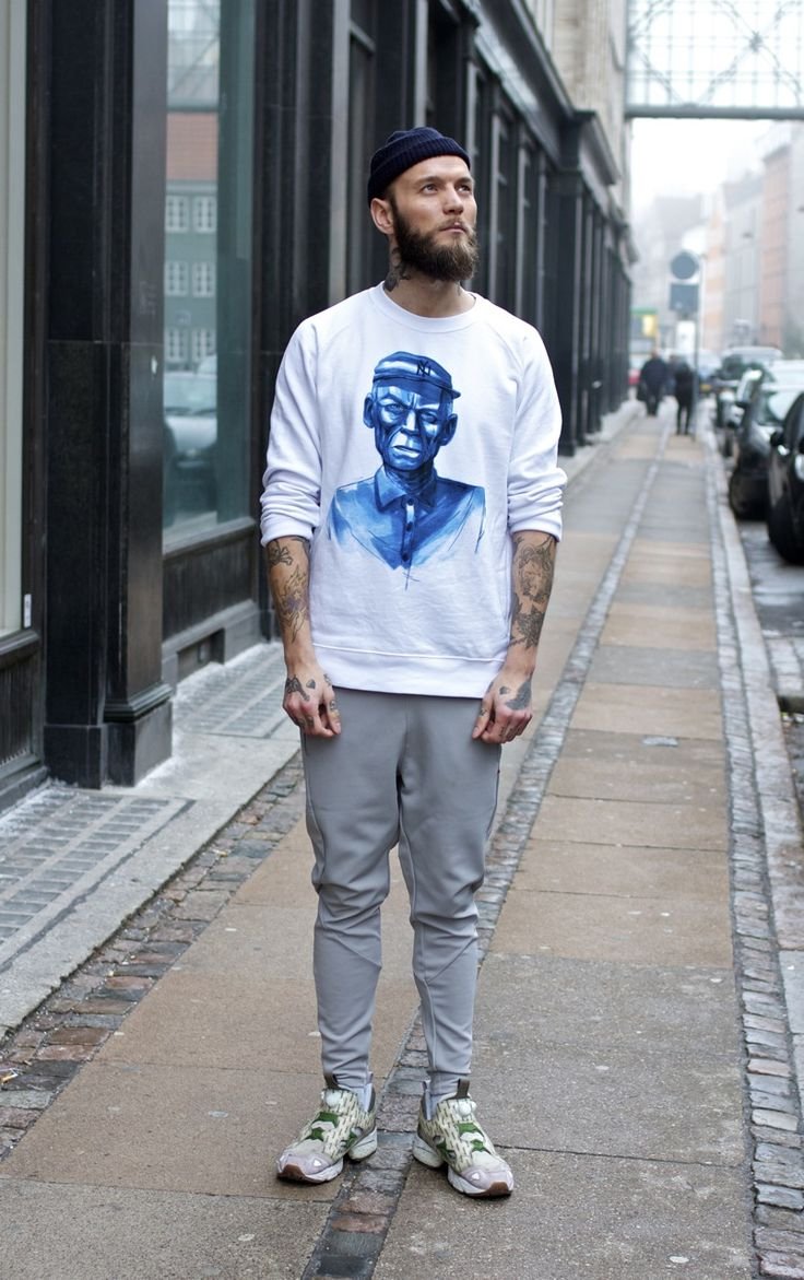 Han Kjøbenhavn - grey tights & white steen crew neck