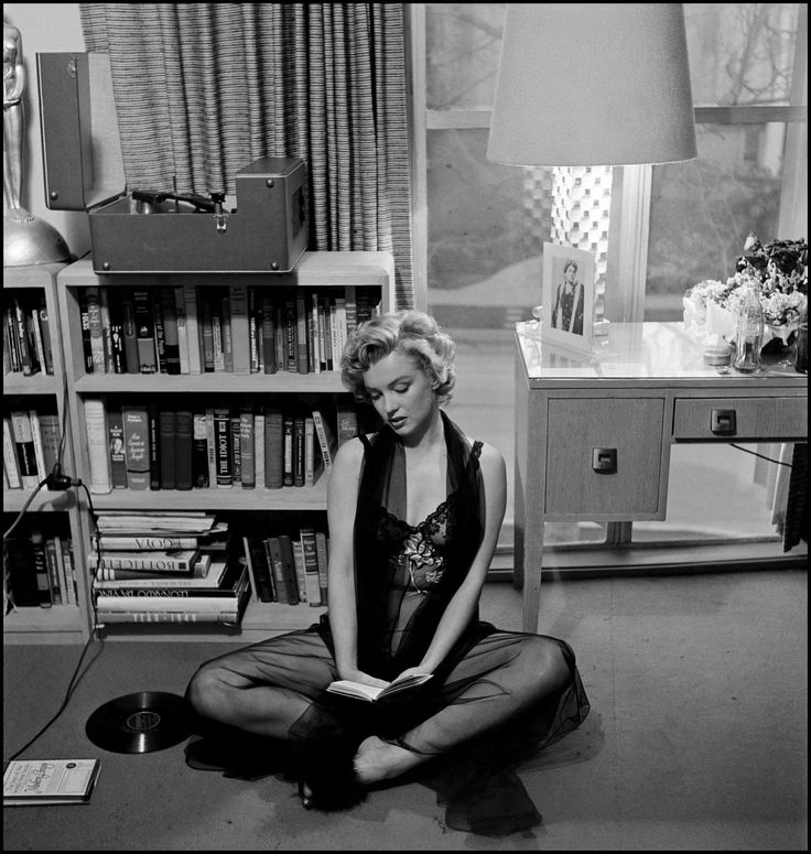 Marilyn Monroe | photography by Philippe Halsman | 1952
